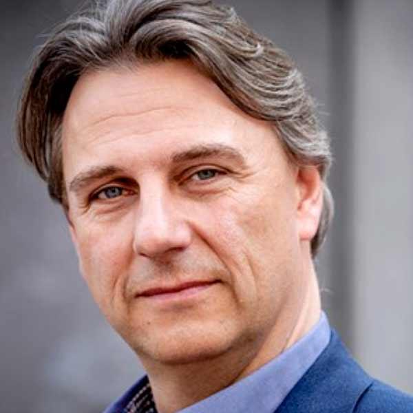 Drs. Yoeri Albrecht MPhil