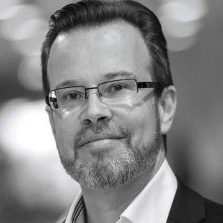 Dr. Arnoud van der Maas